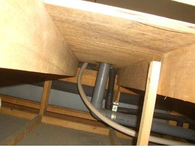 【アクアリウム】これってアパートの一般的な床下なのかね?